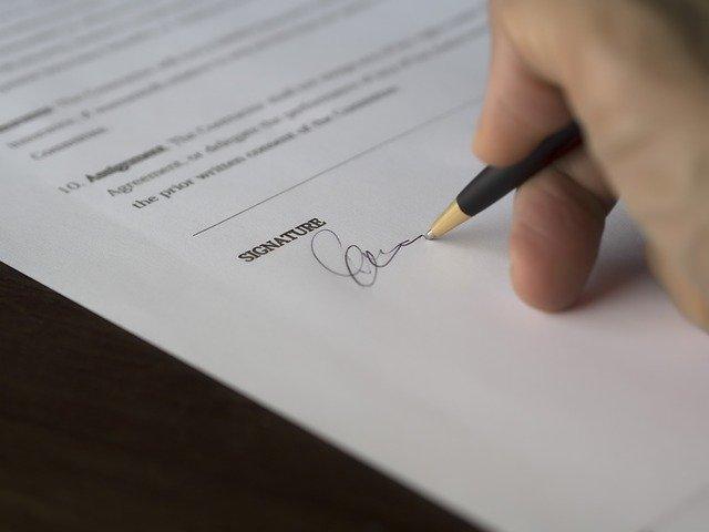 podpis půjčky