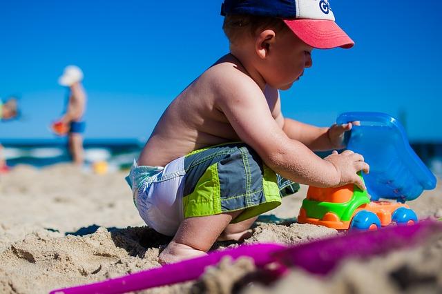 hraní v písku