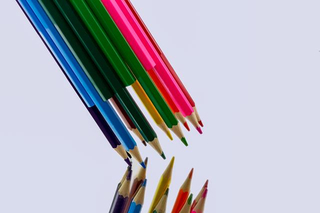 barevné pastelky.jpg