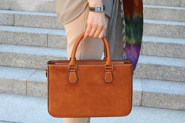 kožená craft kabelka