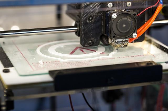 tiskárna v provozu